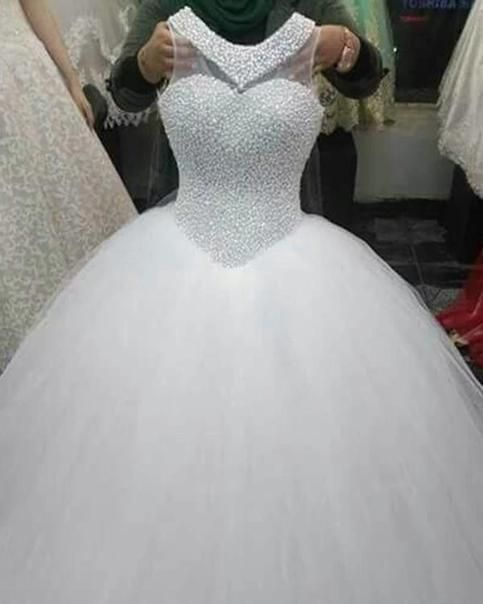 Sparkly V-Neck White Tulle Ball Gown Wedding Dresses Lace Appliques Crystals Pearls Beaded Wedding Dresses Sweep Train Bridal Gowns Online