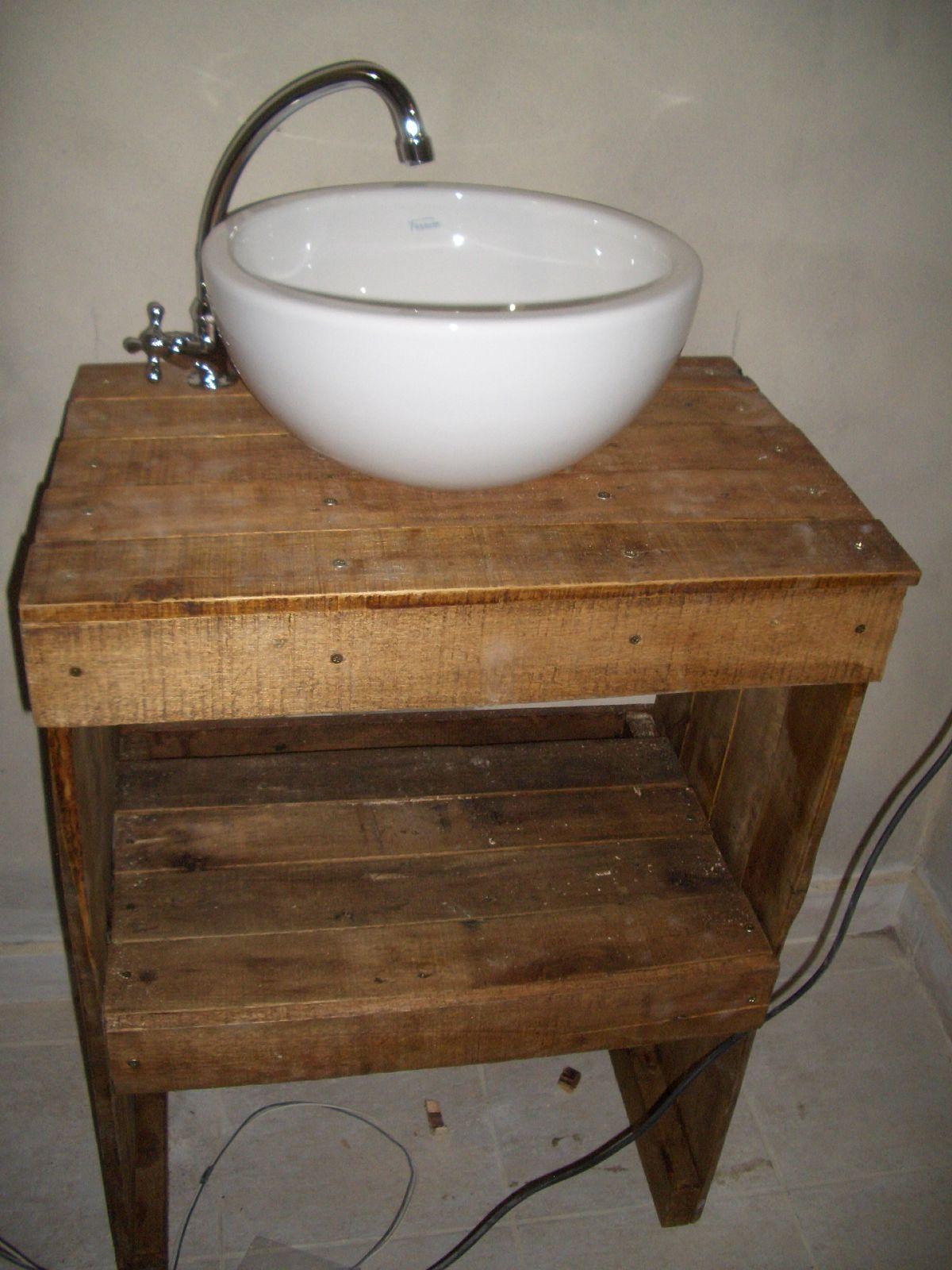 Vanitory de pallets reciclados facebook cachivache 832 ideas para el hogar - Palet reciclado muebles ...