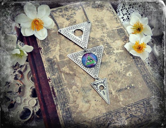 Mystical Pyramid Style All Seeing Eye Triangle New Age Etched Necklace Oddity
