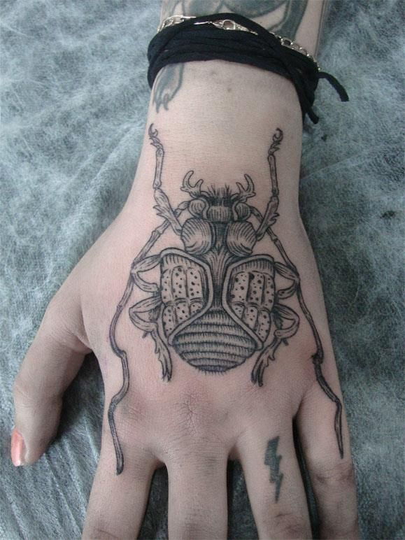 Awesome-hand-insect-tattoo1.jpg (579×772)
