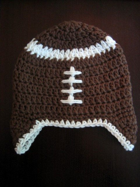Baby Football Hat | Free Crochet Pattern | Mason | Pinterest | Mütze ...