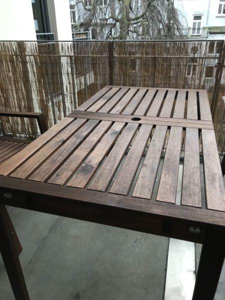 ÄPPLARÖ<br />Tisch+4 Armlehnstühle<br />Wie neu - NP war inkl ...