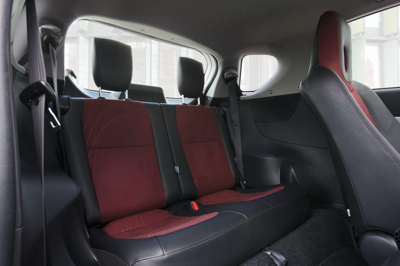 Toyota Of Everett >> Toyota IQ Interior | Smart fortwo