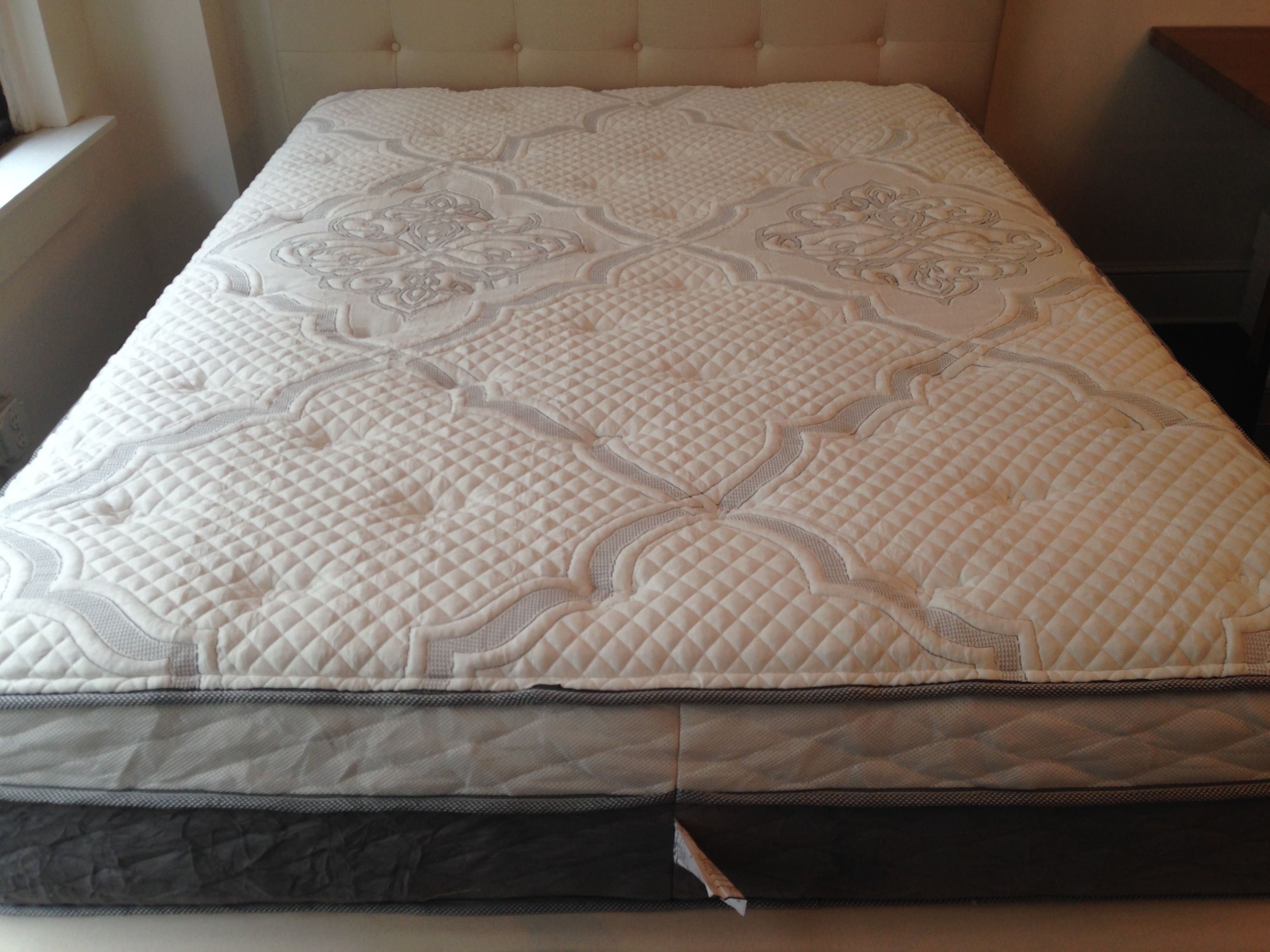 casper pin mattress signature and alexander nest series