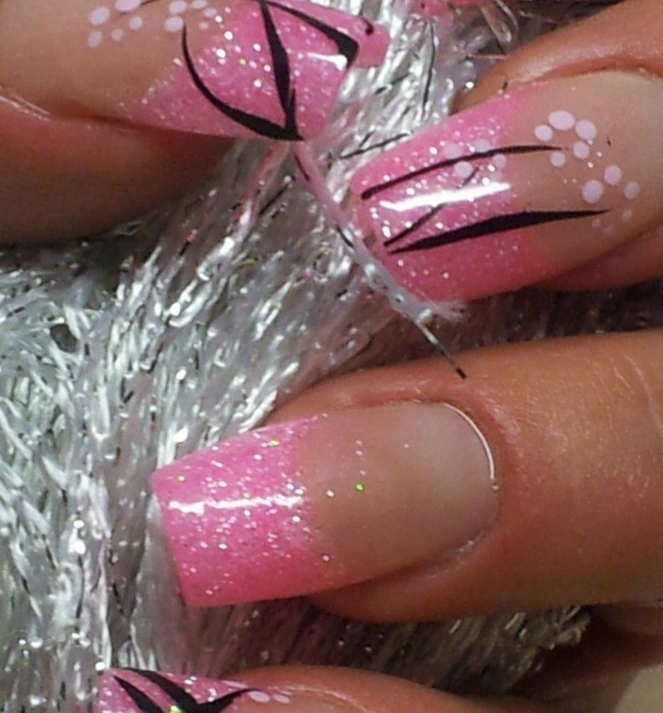 Acrylnägel in Neon-Pink ... mit Glitter gemischt und einer einfachen ...