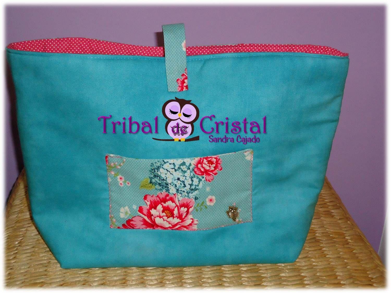 Organizador de Mala Tilda Floral  Tamanho: aproximadamente 35cmx25cmx15cm.