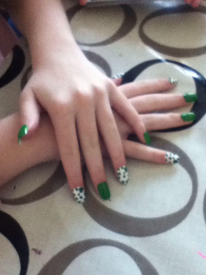 St paddy day nail art