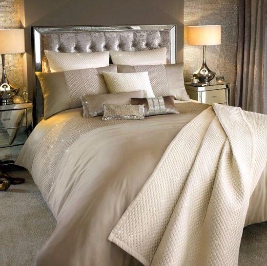 Per creare un design scintillante per la tua camera da letto ...
