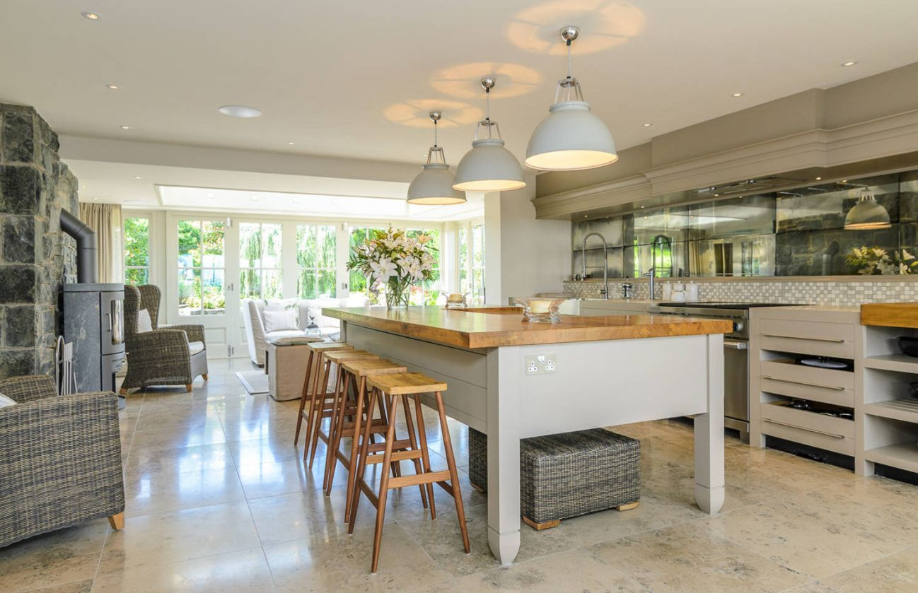 Pros And Cons Of Freestanding Kitchen Cabinets In Modern ...
