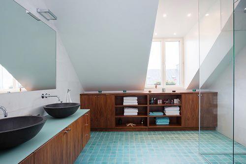 Handige Indeling Badkamer : Indeling badkamer onder schuin dak extreem badkamer met schuin