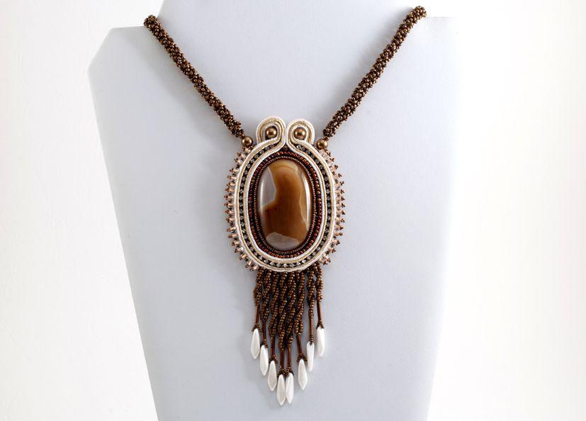 Agata necklace ON SALE at www.madineurope.eu - #agate #jordanagate #pendant #swarovski #strass #strasschain #handmade #uniquepiece #necklace #bijoux #madeineurope #shopping #fashion #accessories #summer #shoppingonline #onsale