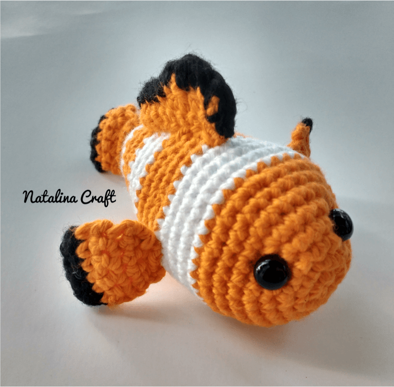 Free Crochet Pattern: Clownfish Amigurumi - Patron gratuit: Poisson ...