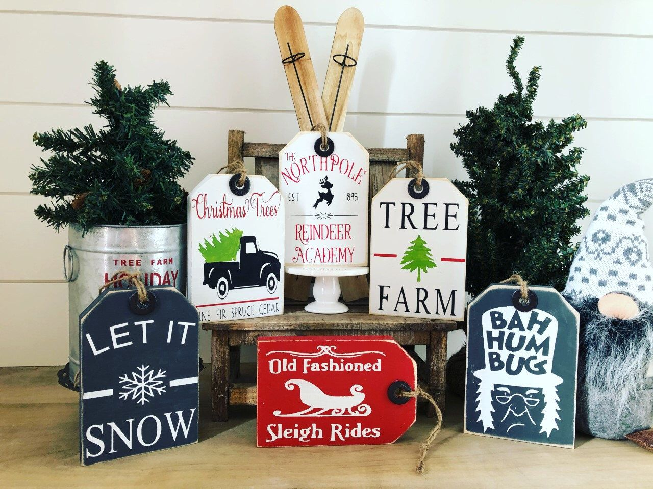 2020 Christmas Table Stting Ideas Holiday Decor // Christmas Wood tags // tiered tray signs