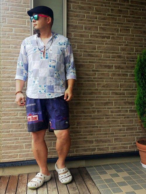 昨日はダウンで厚着コーデでしたが今日は真逆に夏コーデなやすひろです。 BLUE BLUEのハーフパン