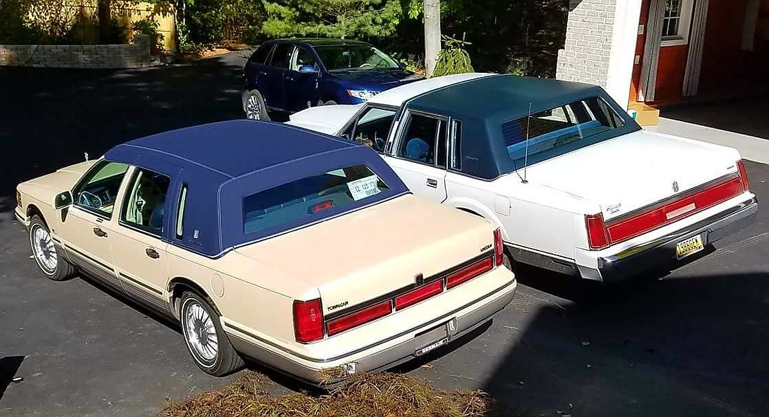 1985 89 Lincoln Town Car On The Right With The 1990 97 Generation On The Left Lincoln Town Car Lincoln Cars Lincoln Motor