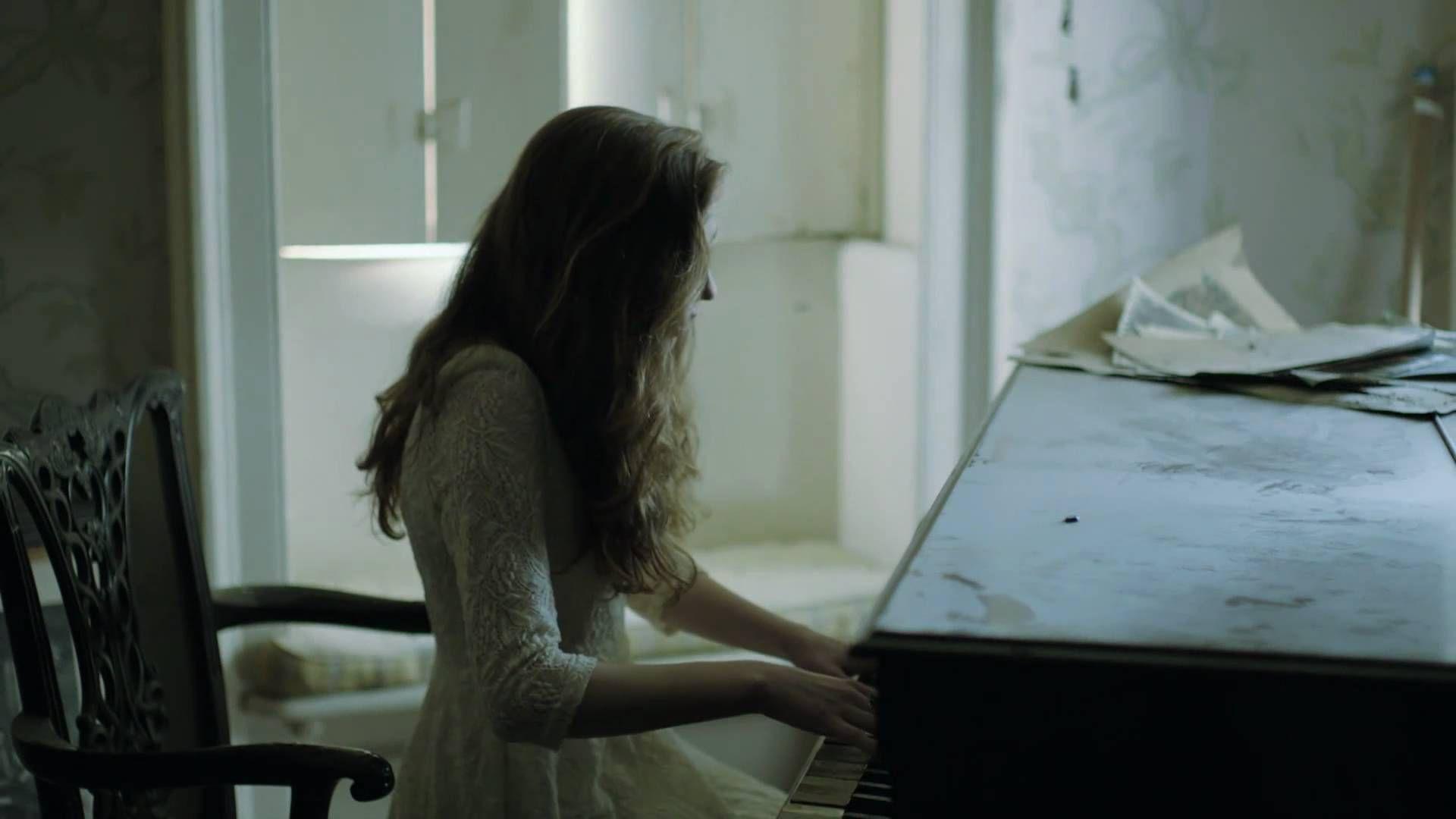 Birdy - Skinny Love [Official Music Video] all day y mas en fatimas churchh k dia ta rarooo !