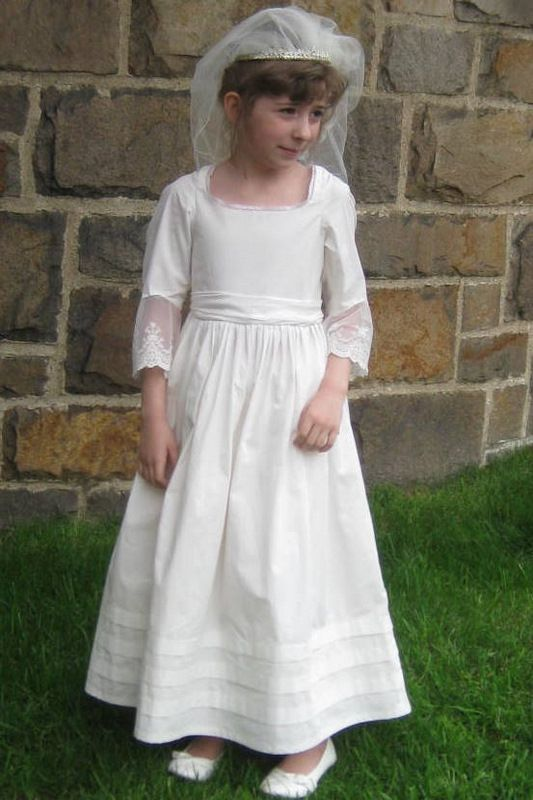 1000  images about First Communion dress on Pinterest  Sewing ...