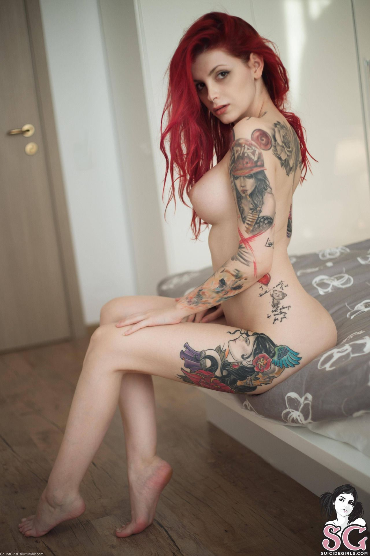 Suicide girls position sexy nue more