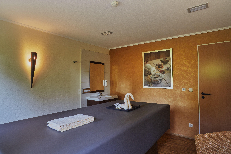 Massageraum design  Massage Raum   H+ Hotel & SPA Friedrichroda   Pinterest   Hotel ...