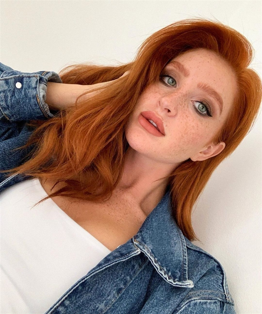 1 005 Likes 16 Comments Stunning Redheads Stunning Redheads On Instagram Credit To Alina Sch Stunning Redhead Red Hair Don T Care Beautiful Redhead