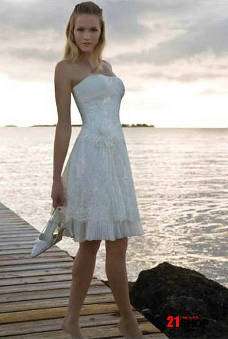 short lace wedding dress!!... ok lets not get ahead of ourselves but ...