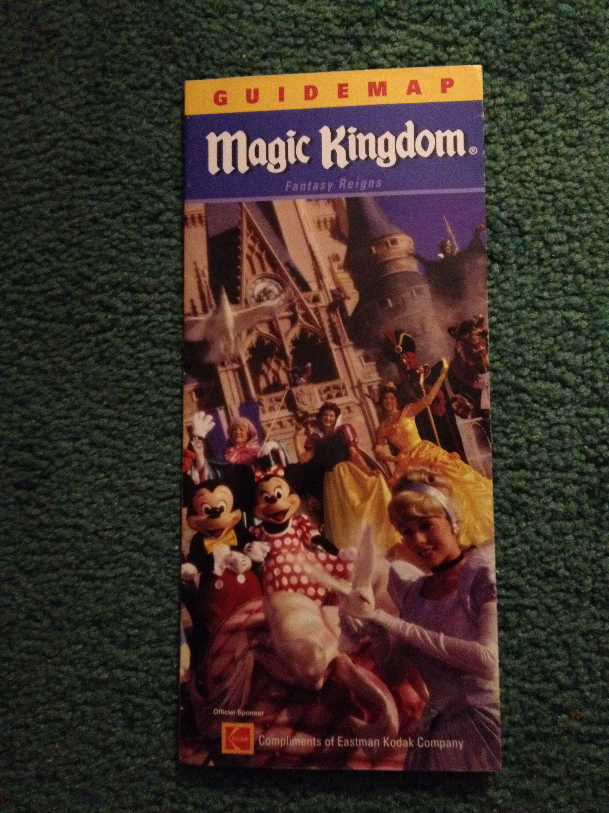 Wdw magic kingdom 2003 guide map Wdw