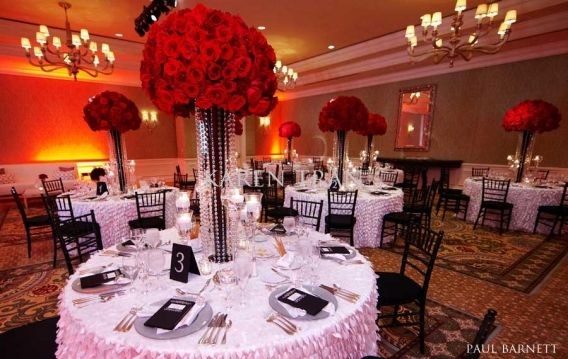So maybe you like the round, lush, mushroom, clean look and the dripping orchids or flowers is not your taste. Perfect! These designs are stunning and make a HUGE impact especially with bold or monotone colors.In one ofKaren Tran'swedding, she created this GORGEOUS centerpiece with ALL…