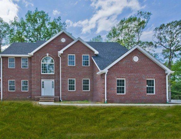 New Listing 10 Silver Leaf Dr Marlboro Nj Marlboro House Styles New Construction
