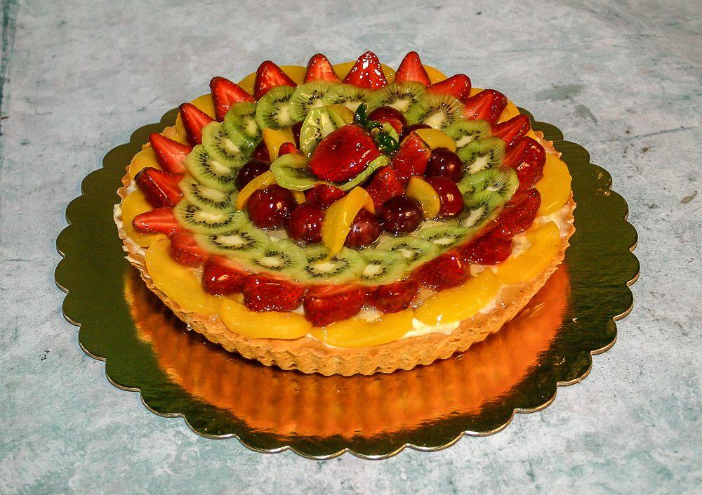 Pie Tropical Tarta Con Crema Pastelera Y Frutas Tropicales Selecionadas Food Cake Desserts