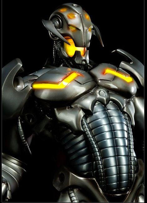 """***ULTRON*** Es uno de los principales villanos de los Vengadores.  Por lo general su nombre completo es """"Ultrón"""" seguido de un número, y cada vez que es destruido y reconstruido otra vez se asigna el número posterior. Sin embargo, en su primer aparición (Avengers #54) era Ultrón-5: Ultrón-1 sólo se vería en recuerdos tiempo después, y las versiones 2, 3 y 4 fueron omitidas de apariciones específicas por motivos narrativos."""