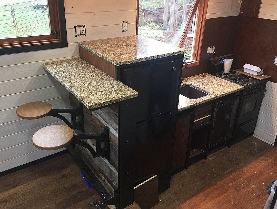 Pin de Arrow Decker en Mini Homes | Pinterest | Cocina acogedora ...