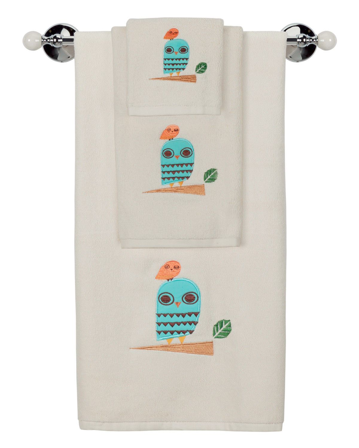 These seemingly simple units mainly consist of a one solid design structure of towel holder that includes a mounting base and a variety of different arm styles that are used to hold the actual paper towel roll. http://towelholder.wordpress.com/