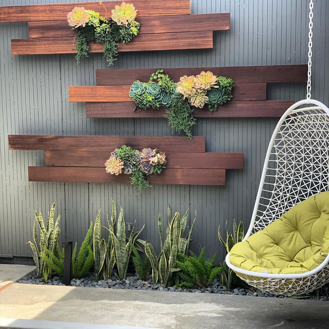 Mike Pyle On Instagram Still One Of My Favorite Walls Thank You Eversoorganized For Letting Me In 2020 Succulent Wall Garden Vertical Garden Vertical Garden Wall