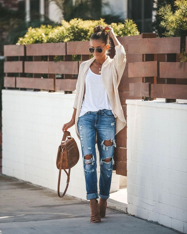 20 date night outfits perfect for the season! – Whole Lifestyle #style #Accessories #shopping #styles #outfit #pretty #girl #girls #beauty #beautiful #me #cute #stylish #photooftheday #swag #dress #shoes #diy #design #fashion #outfits
