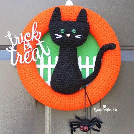 Crochet Halloween Black Cat Wreath Projects/Patterns Pinterest