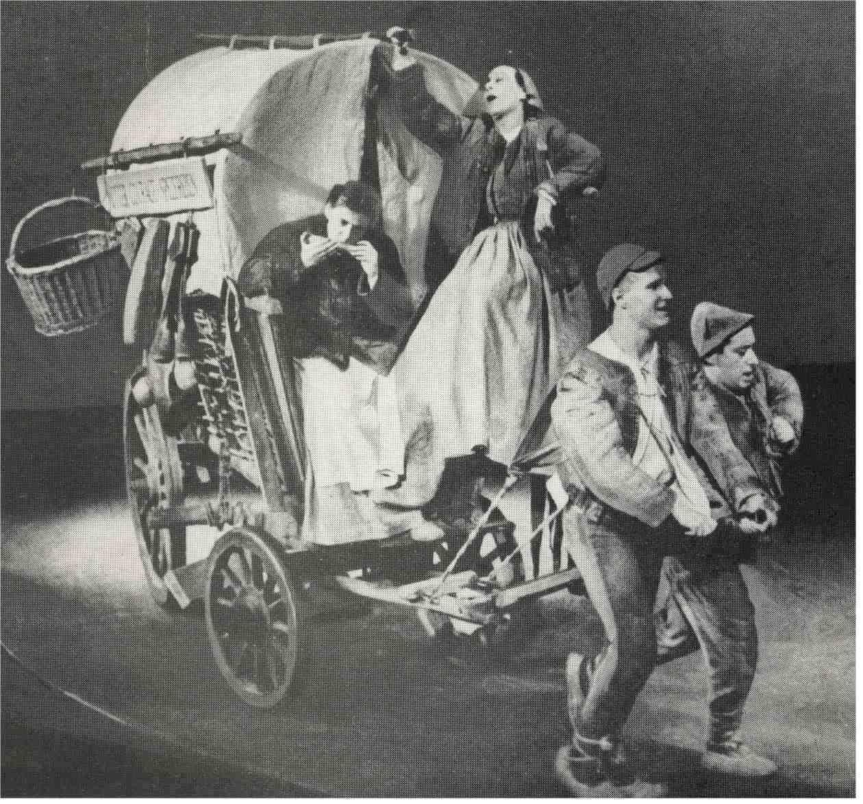 """""""Мајка Храброст и њена дјеца на сцени Берлинског анасмбла 1949."""