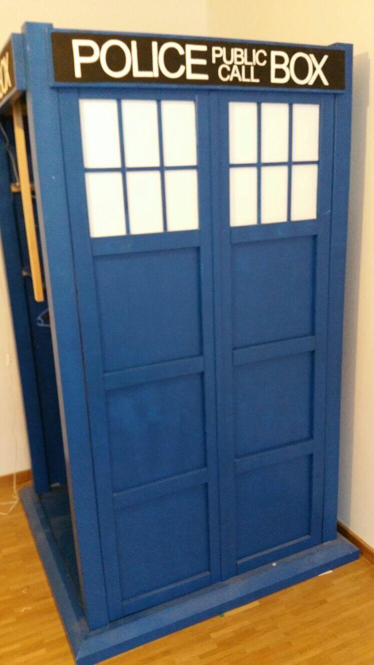 Kleiderschrank Tardis (bekannt aus Doctor Who) Selbstgebaut 1,24 ...