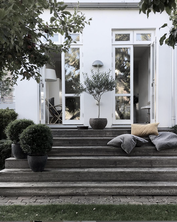 Fifty Shades Of White In A Beautiful Swedish Home My Scandinavian Home Swedish House Scandinavian Home