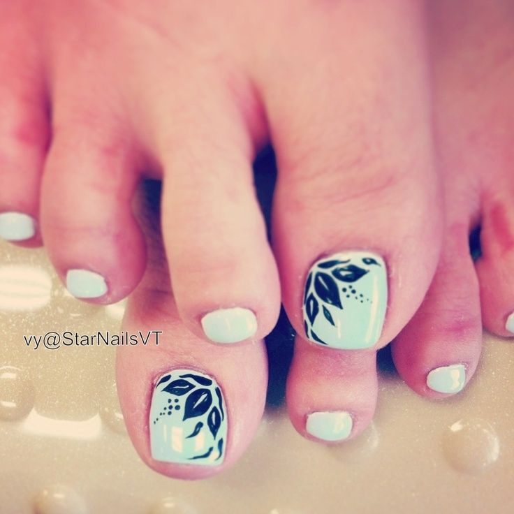 Toe nail design - VTN (love the light mint) - Flores Negras Diseño En Pies - Black Flowers Nail Design Uñas