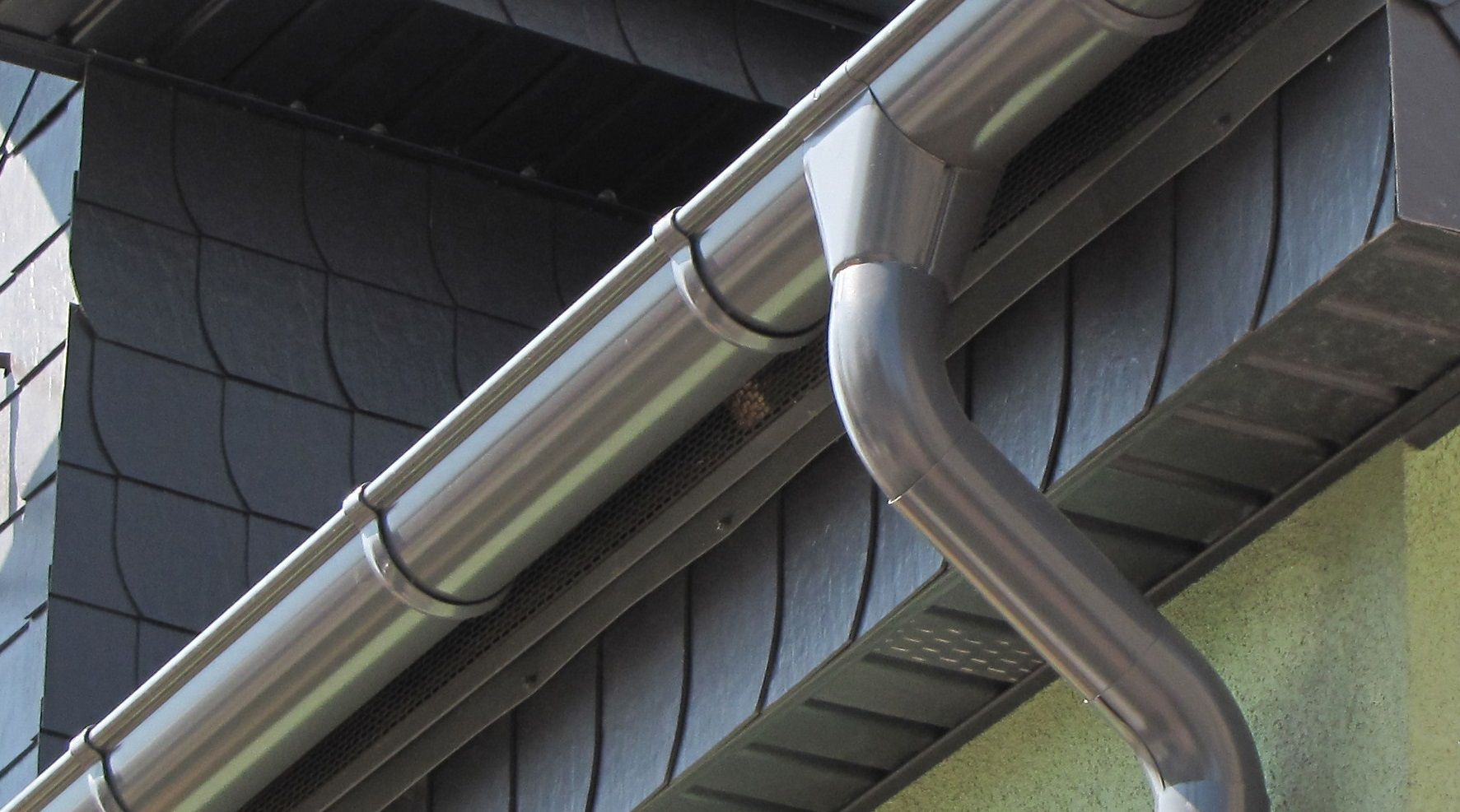 Zinc Gutters Are A Premium Alternative For Vancouver Home And Business Owners Let S Find Out If This Architectural Metal Gutters Galvanized Gutters Downspout