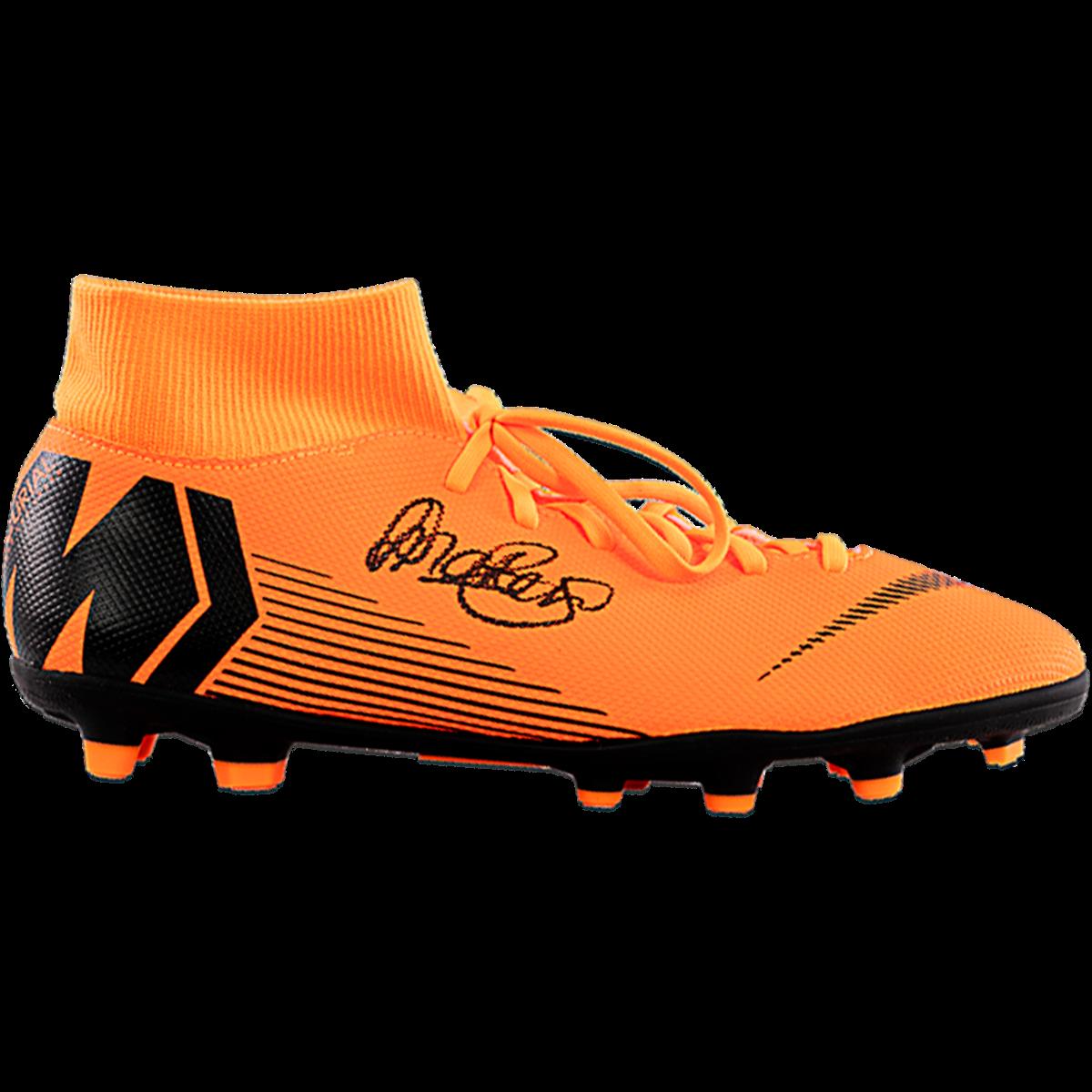 tenga en cuenta Stratford on Avon Orientar  Lieke Martens Signed Orange Nike Mercurial High Top cleat | High top  cleats, Cleats, Football boots