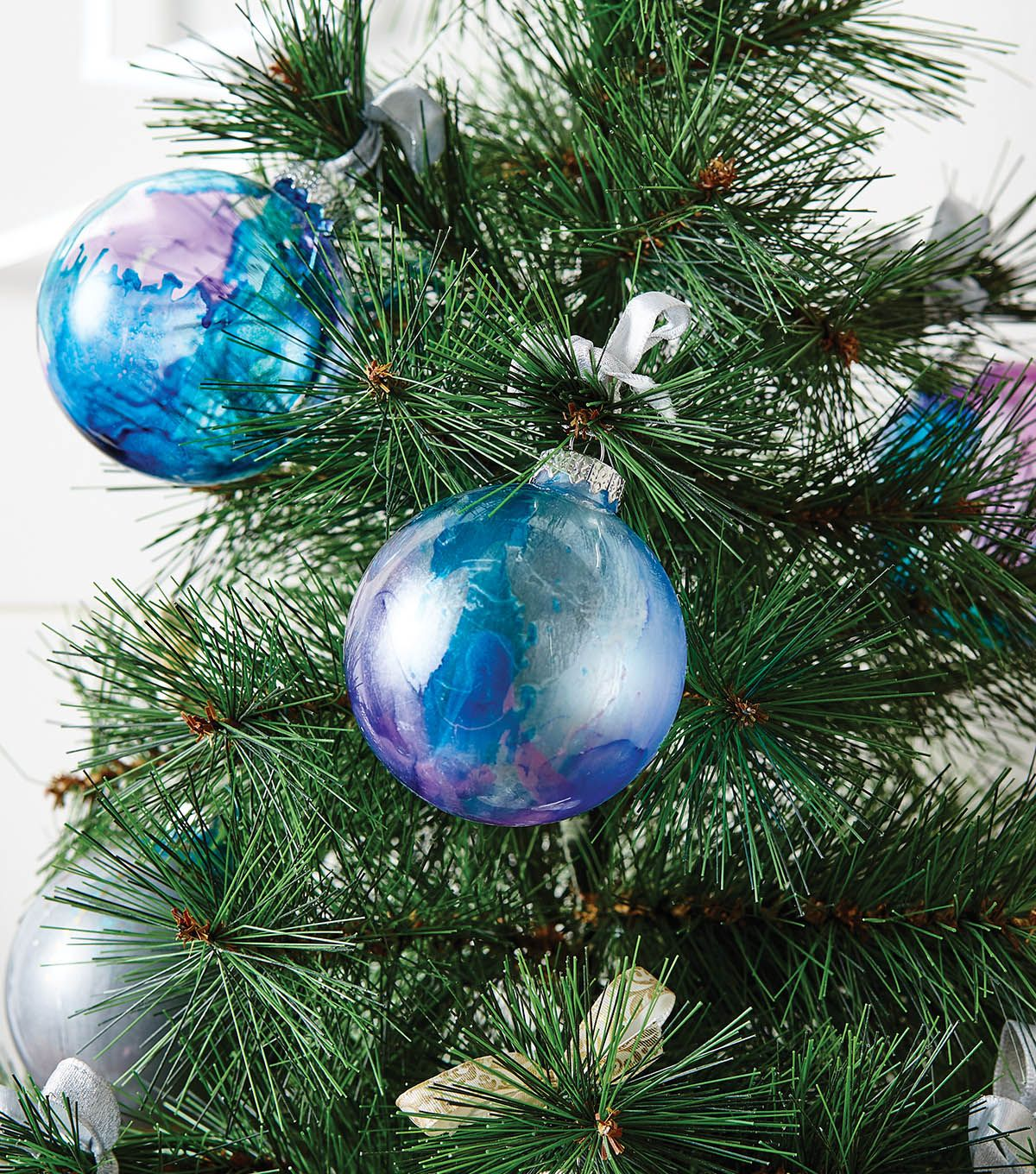 How To Make Metallic Ornaments How To