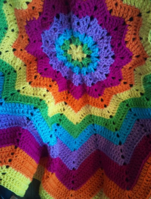 Crochet Circle Ripple Afghan: A smile on your lap seeps into your ...