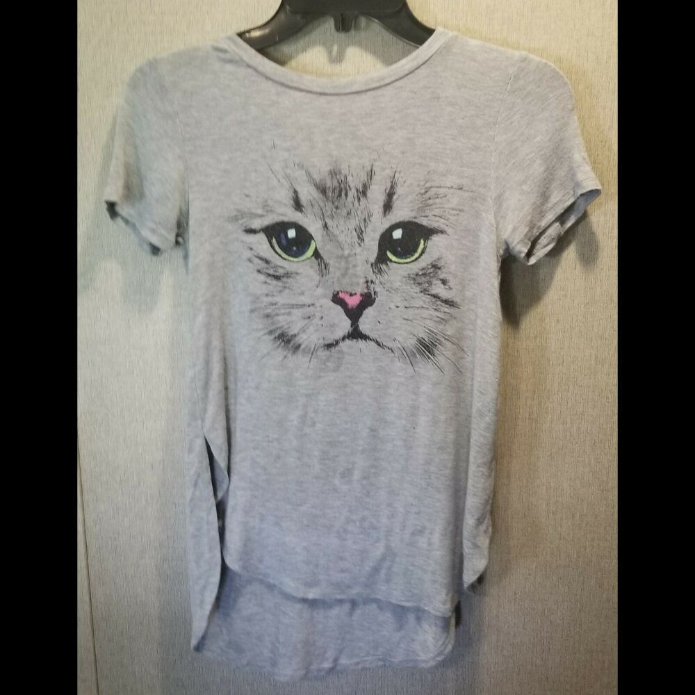 Cat and Mouse   Tshirt   Sizes//Colors