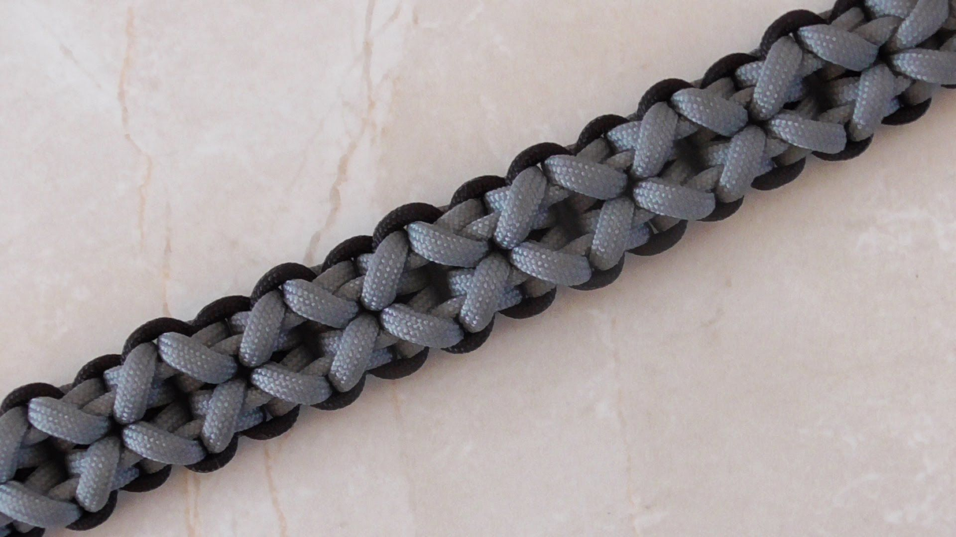 Instructions For How To Make A Clove And Dagger Paracord Survival Bracelet With No Buckle In This Step By Diy Video Tutorial Two Color 550 Cord
