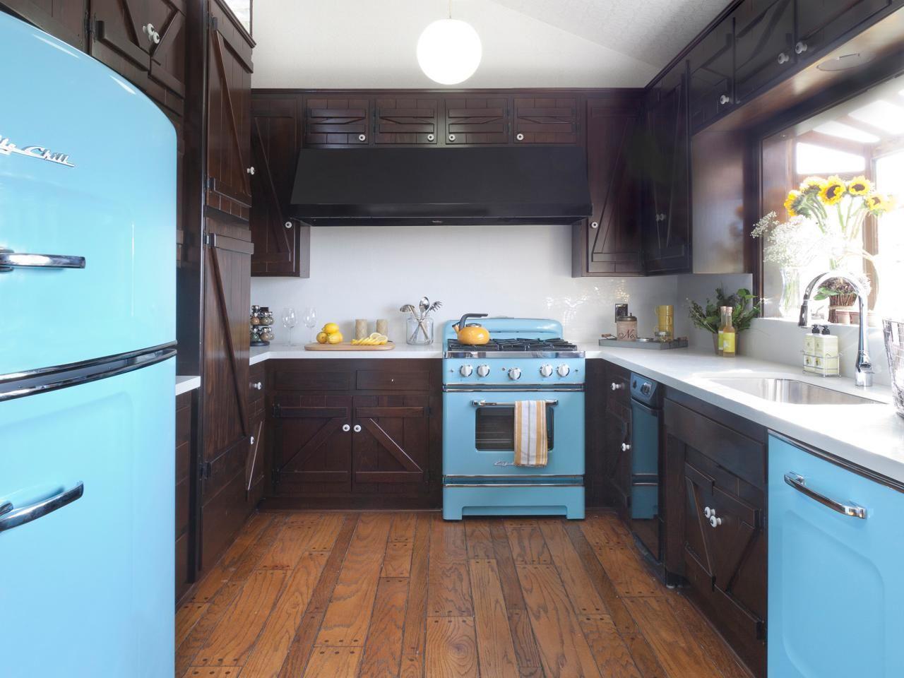 Italian Kitchen Design Pictures Ideas Tips From Hgtv Eclectic Kitchen Timeless Kitchen Kitchen Design Small