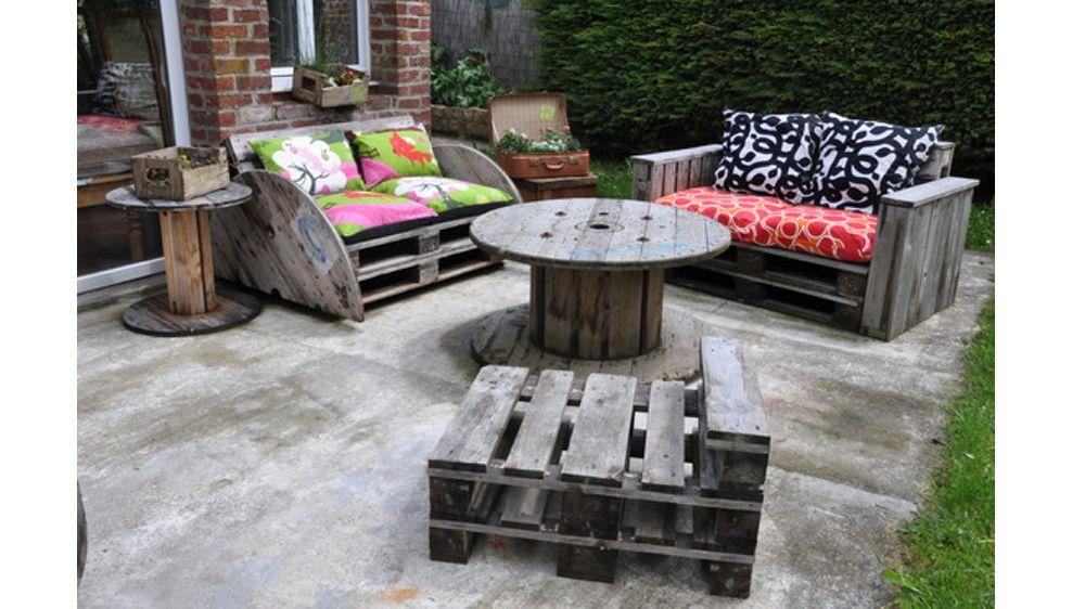 07955839-photo-salon-de-jardin-brut-palettes.jpg (1000×562) | idées ...