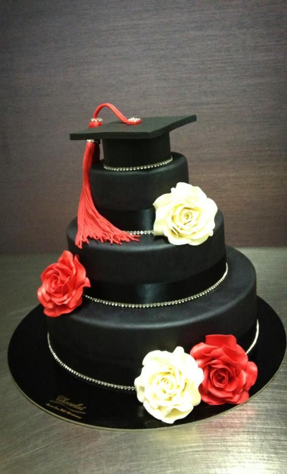 Torte artigianali per laurea beautiful cake stand in for Decorazioni per torte di laurea