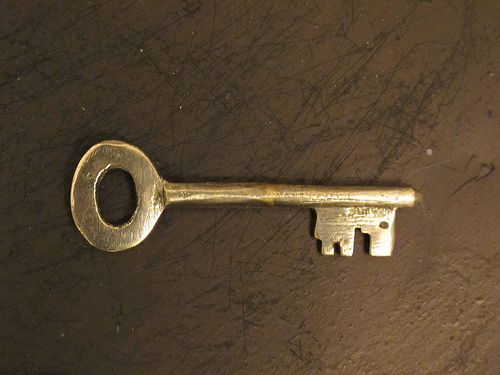 Sognare mobili ~ Si può sognare una chiave che chiuda o apra una porta un mobile
