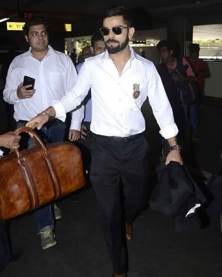 VK has arrived, time for #IPL2016 Final game of #cricket
